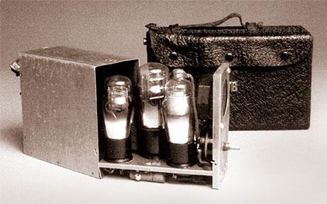 primeiro aparelho auditivo de tubo a vácuo